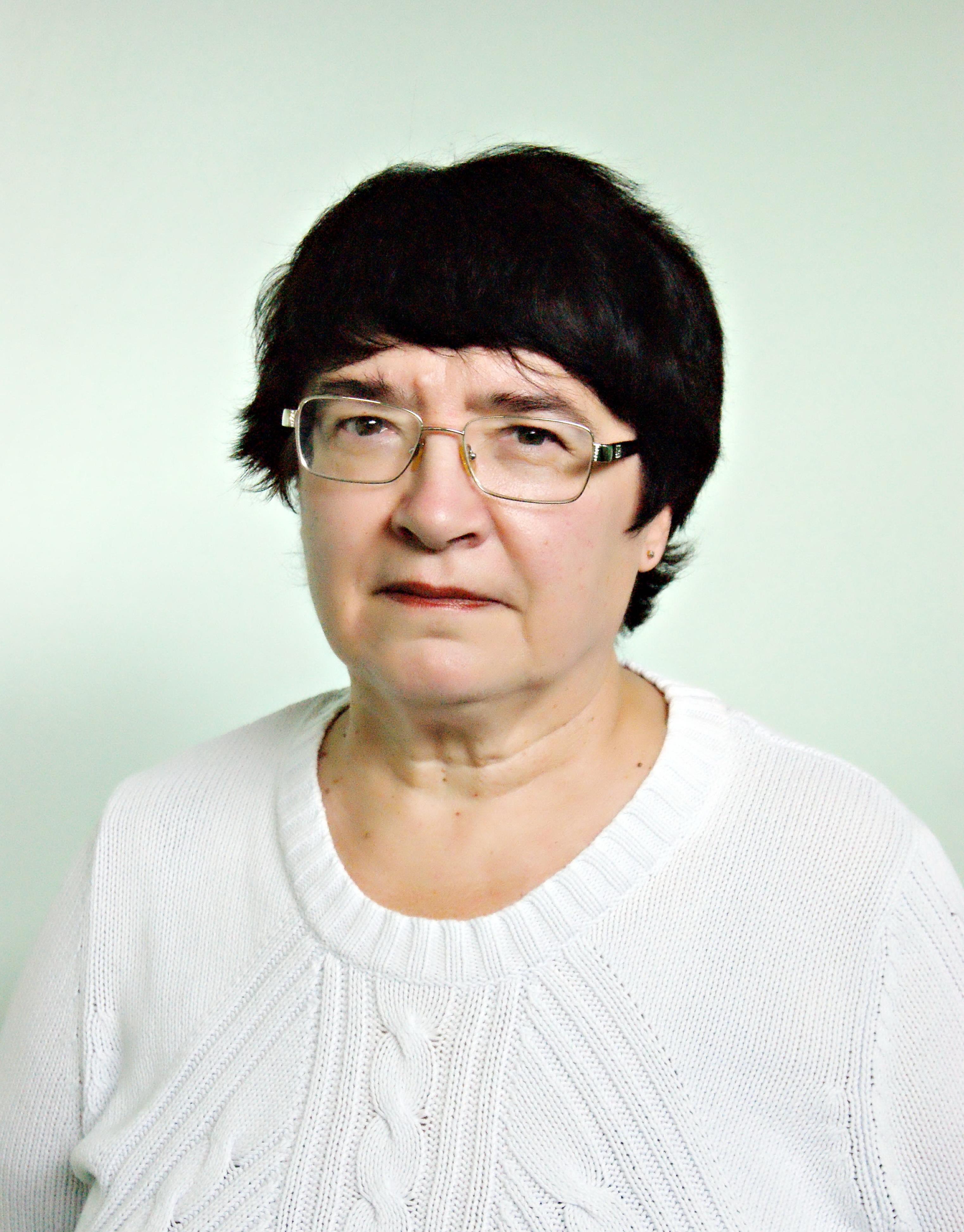 Пархоменко Валентина Петровна Родилась в 1951 году в г Твери После окончания средней школы № 19 поступила в Калининский государственный медицинский институт который закончила с